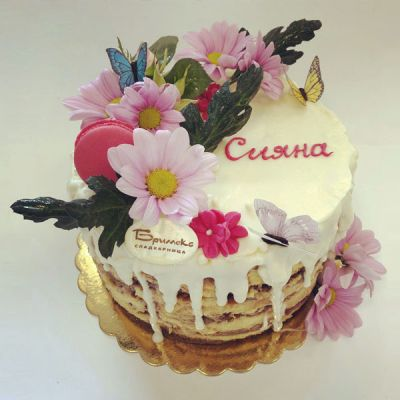 Торта Цветя и френски Макарони