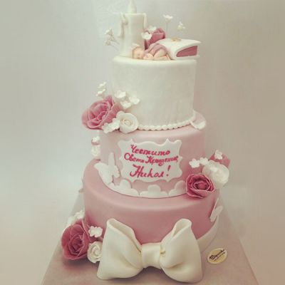 Торта за кръщене - Панделка и цветя