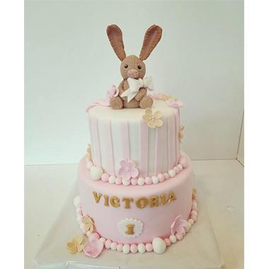 Торта розова заек